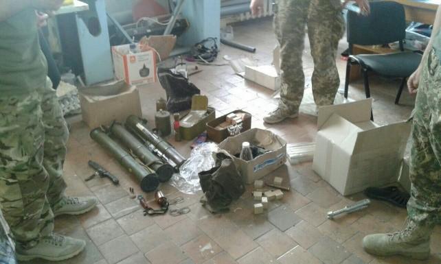 Украина: Срочные новости: в зоне ответственности 30 омбр сотрудниками СБУ проводятся обыски!