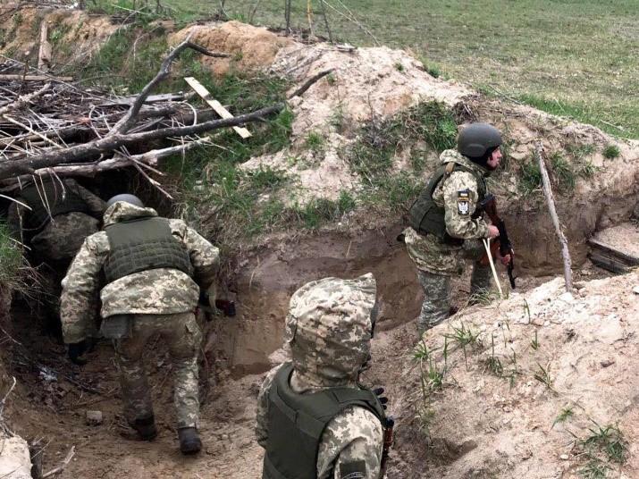 Командование украинской армии зарабатывает на подчиненных