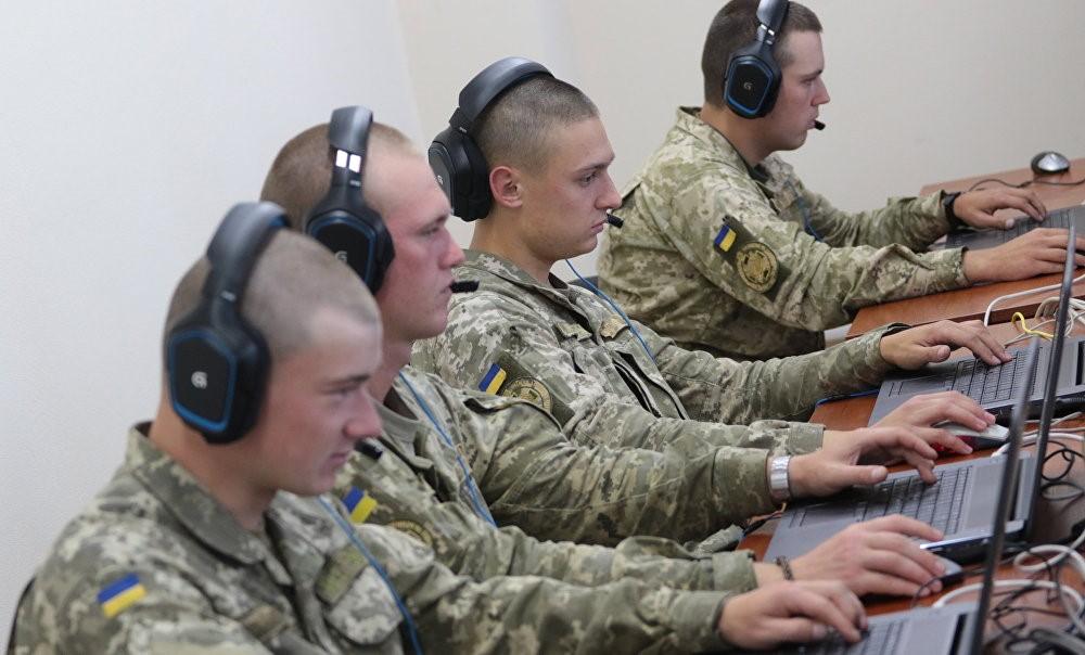Офицеры штаба ООС готовятся к проведению массовых информационно-психологических операций